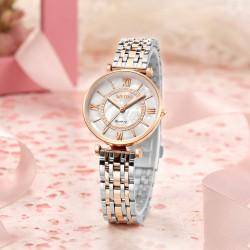 Reloj plateado dorado...